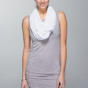 Lululemon Twist & Shout Scarf